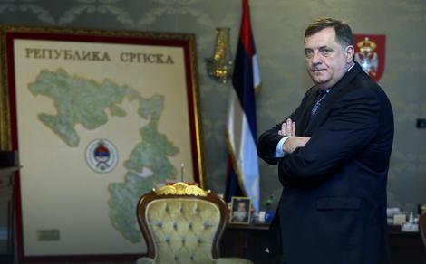 STRAHUJE ZA ŽIVOT Ako se kandiduje i pobedi, Dodik planira da UVEDE NOVINU u radu Predsedništva BiH
