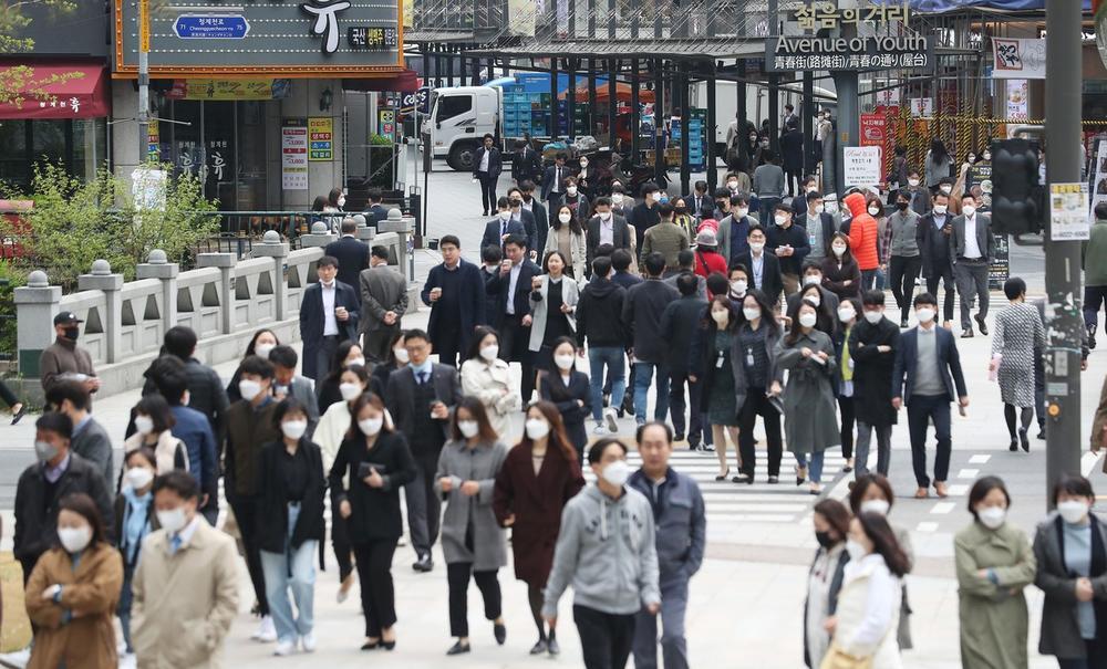 STRAHUJU OD NOVOG TALASA ZARAZE Južna Koreja ponovo aktivirala niz mera za borbu protiv korone, pojavilo se novo žarište