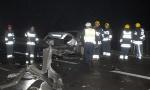STRAŠNA saobraćajka kod Obrenovca: Poginuo muškarac, vatrogasci izvukli povređenog mladića