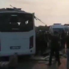 STRAVIČNA SAOBRAĆAJKA U ANTALIJI: Prevrnuo se autobus sa ruskim turistima, veliki broj poginulih i povređenih (FOTO/VIDEO)