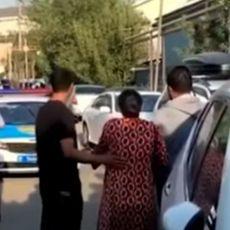 SUDSKI IZVRŠITELJI PROBALI DA GA ISELE, ON ZAPUCAO! Jeziv epilog događaja - među mrtvima i policajci (VIDEO)