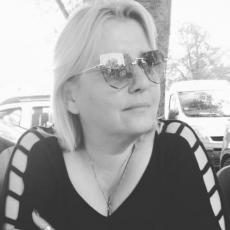 SUPRUG POGINULE ORGANIZATORKE NEUTEŠAN: Živela je za emisiju, 30 dana je pomagala drugima, dva dana dolazila kući