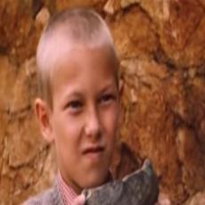 ŠUT BOLAN EROTIKA! Sećate se dečaka iz filma Lepa sela lepo gore? Evo kako izgleda danas! (FOTO)