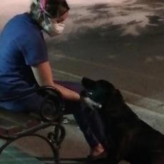 SVA HUMANOST STALA U JEDNU SLIKU: Pogledajte šta radi medicinska sestra nakon smene u Infektivnoj klinici (FOTO)