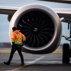 SVAKOJ PORODICI PO MILION I PO: Kompanija Boing spremila veliku odštetu porodicama nastradalih u padu aviona