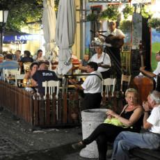 SVETSKI MEDIJI BRUJE O BEOGRADSKOJ BUCI: Vikend tortura kafića i klubova sve veći problem