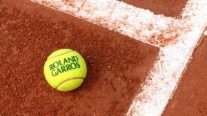 SVI ĆETE BITI PRIKOVANI ZA MALE EKRANE: Poznato je gde možete da gledate Novaka koji igra za istorijski podvig!