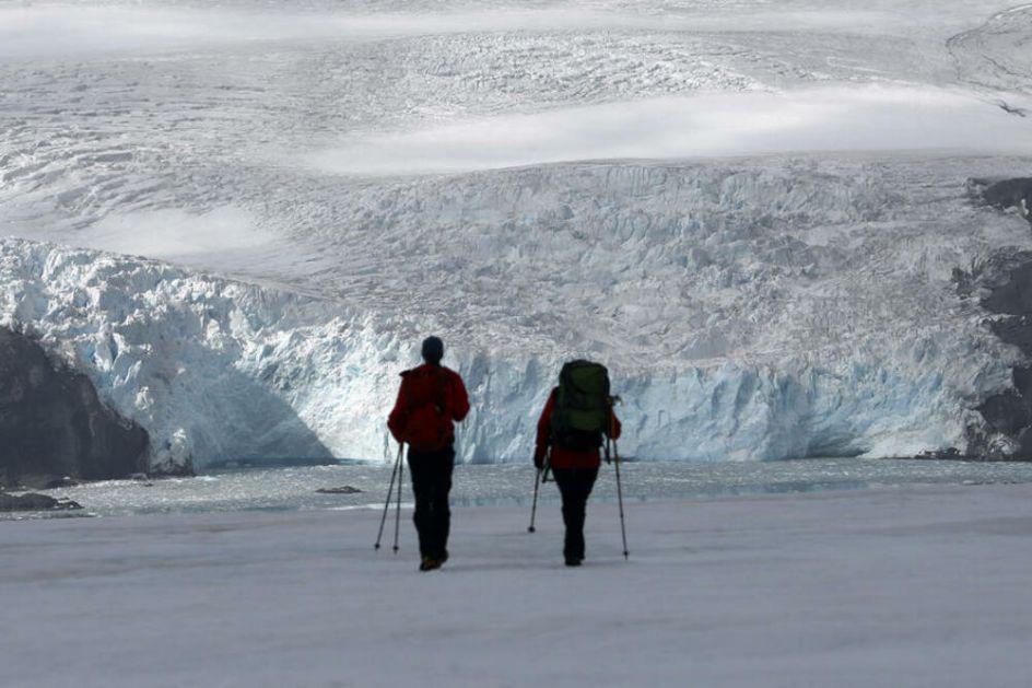 SVI SVETSKI GLEČERI NAM NESTAJU PRED OČIMA: Ledeni divovi se ubrzano tope, a mora rastu! Evo za koliko se godišnje smanje!