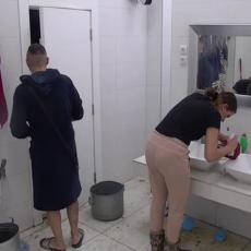 Ša ušao u kupatilo dok se Tara kupala, pa joj PONUDIO OVO! Prisutni gledali u ČUDU! (VIDEO)