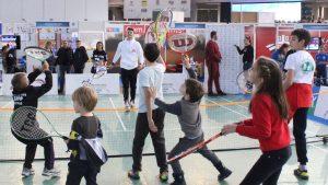 Sajam sporta: Kecmanović igrao mini tenis sa mališanima