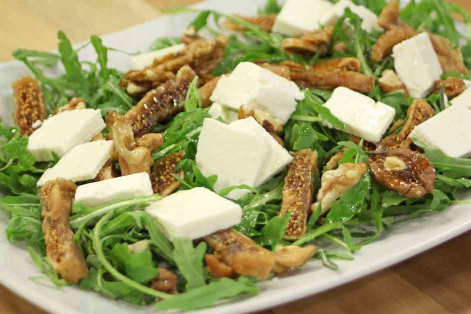 Salata od rukole, smokvi i kozijeg sira