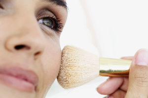 Samo jedan trik u šminkanju je dovoljan da niko ne primeti koliko ste umorni!