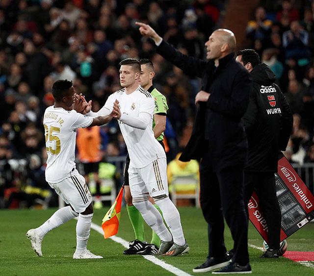 Samo što se vratio na teren, Luka Jović mora u izolaciju!
