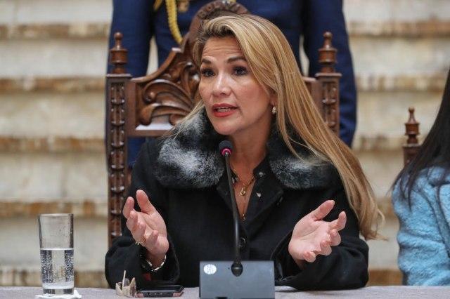 Samoproglašena predsednica potpisala - Novi izbori bez Moralesa