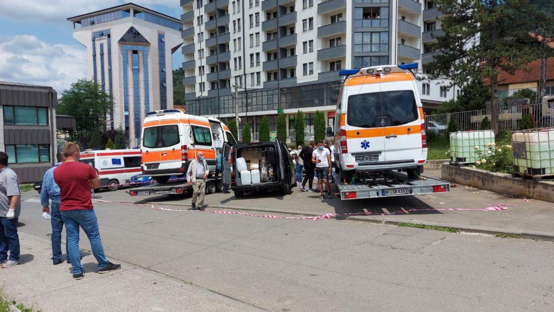 Sandžaklija iz dijaspore Rafet Košuta sa porodicom donirao dva ambulantna vozila Tutinu i Rožajama