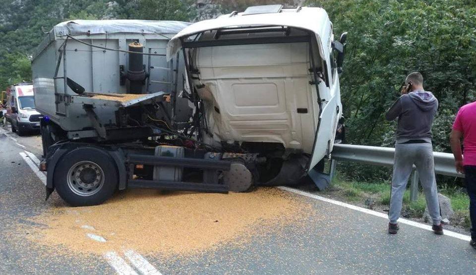 Sandžaklija poginuo u kanjonu Morače u stravičnom sudaru (FOTO)