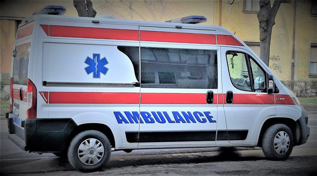 Saobraćajna nesreća kod Surčina, četvoro povređeno