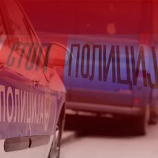Saobraćajna nesreća u Platičevu: Prevrnuo se automobil, put blokiran