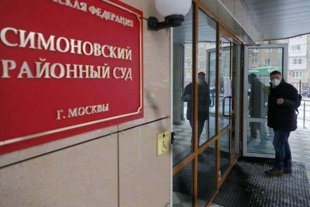 Saradnica Navaljnog potvrdila da je u pritvoru preko Tvitera