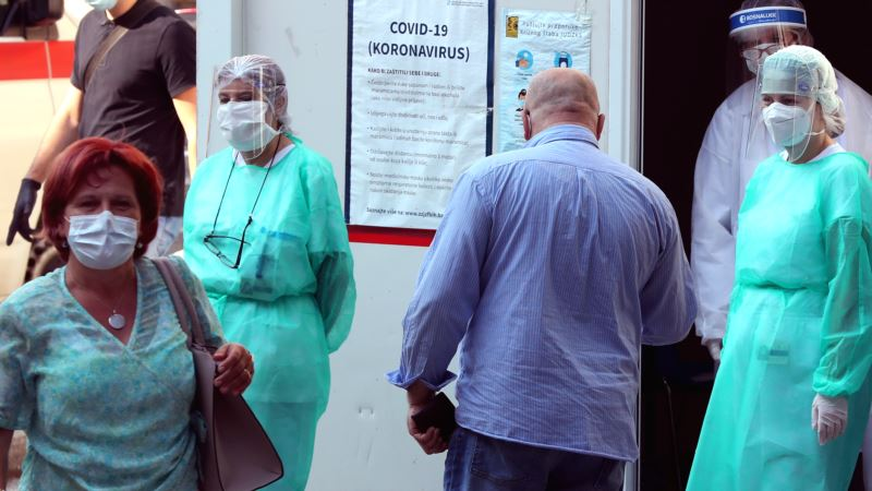 Sarajlije traže hitnu reakciju vlasti zbog pandemije, kažnjavanje i zabranu okupljanja