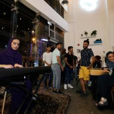 Saudijska Arabija ukida podele u restoranima: KONAČNO ISTI ULAZ I ZA MUŠKARCE I ZA ŽENE!