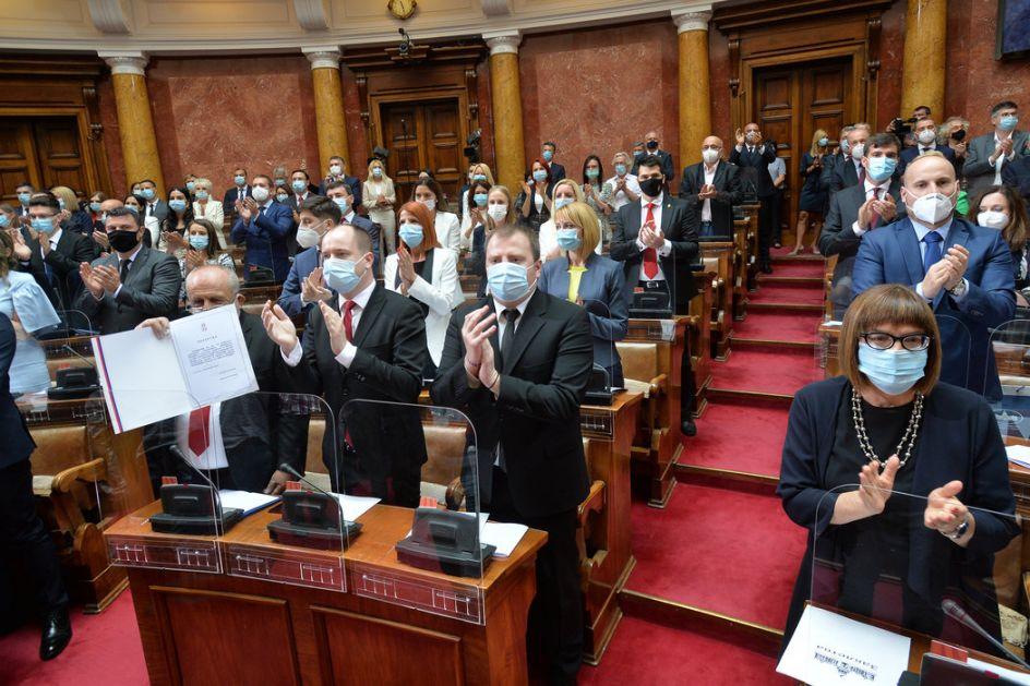 Sedam poslaničkih grupa u Skupštini Srbije