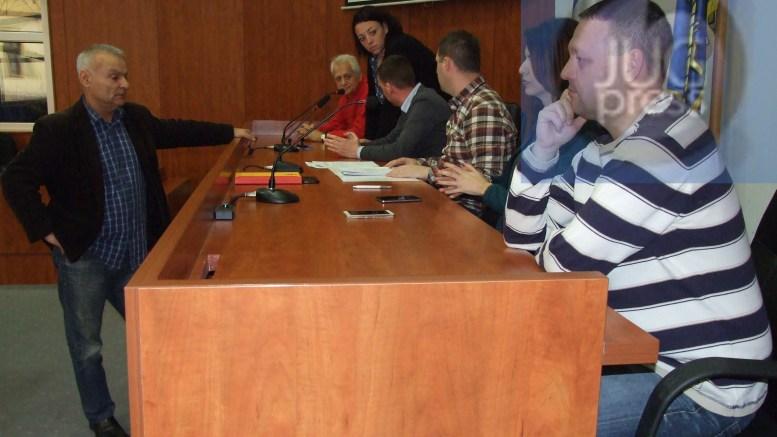 Šef odborničke grupe SPS na izbore za mesne zajednice sa grupom gradjana
