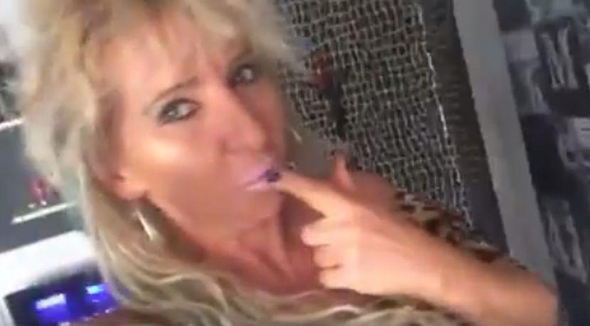 Mobilni mama sina seks video