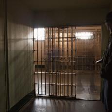 Seksualni prestupnik umro u zatvoru od korona virusa