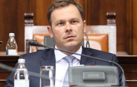 Senat Univerziteta u Beogradu poništio doktorat Siniše Malog