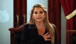 Senatorka Henin Anjes se proglasila za predsednicu Bolivije