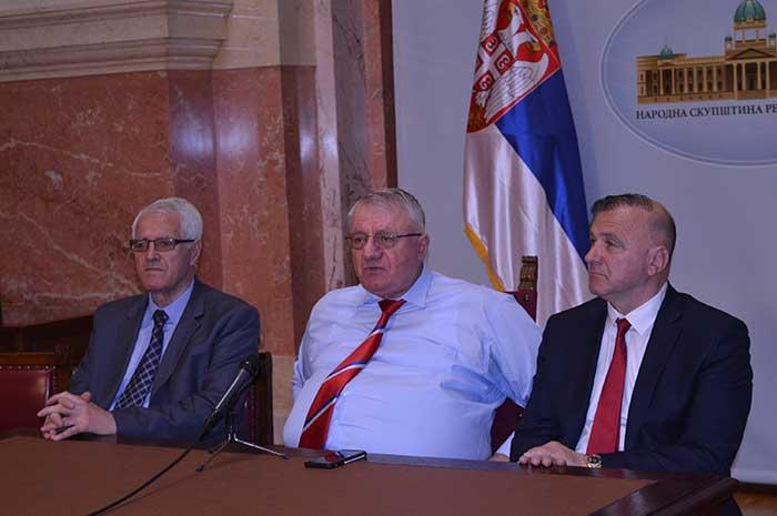 Šešelj: Srbija je morala da osudi napad na Siriju kao što je ona osudila agresiju na SR Jugoslaviju