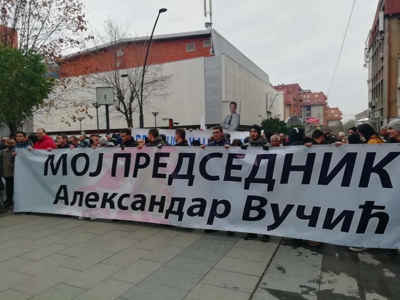Šetnja podrške Vučiću u Vranju: Naprednjaci kažu da su skup organizovali građani