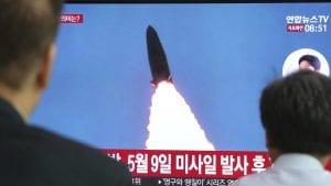 Severna Koreja ispalila dva neidentifikovana projektila