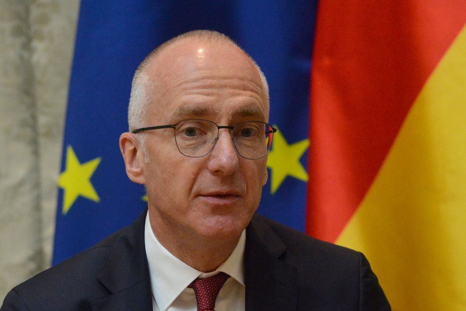 Šib: Cilj pravno obavezujući sporazum Beograda i Prištine