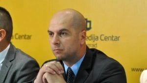 Simić: Brisel da izvrši pritisak na Prištinu