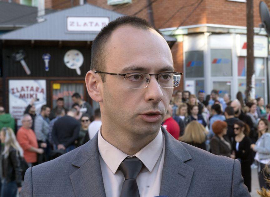 Simić: Hapšenje dokaz da počinje jači pritisak na Srbe