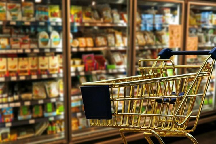 Sindikat: Smanjenjem marži ublažiti poskupljenja životnih namirnica