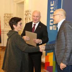 Sjajne vesti iz Novog Sada: Vučević preduzetnicama uručio 12 miliona dinara za unapređivanje poslovanja