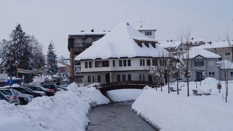 Sjenica jedno od najhladnijih mesta u Evropi – minus 19, sneg od pola metra…