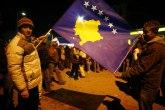Ukradena velika kosovska zastava, na jarbolu manja