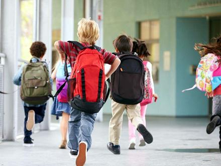 Školama stižu uputstva: Kad đaci mogu i moraju da dođu