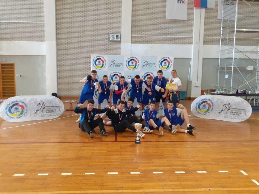Školarci iz Beške postali šampioni Srbije u rukometu