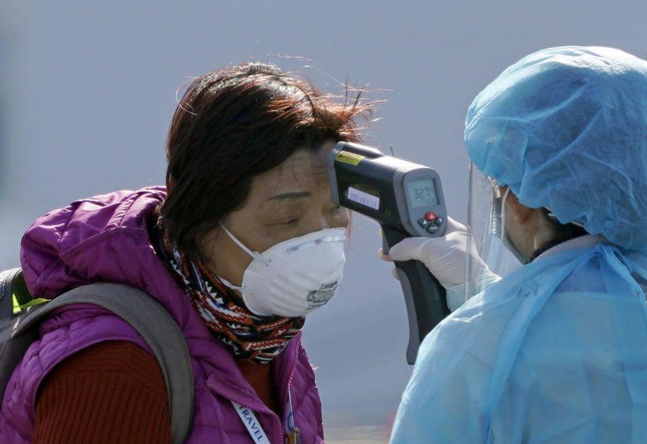 Skoro 77.000 zaraženih koronavirusom u Kini, 2.442 preminulo