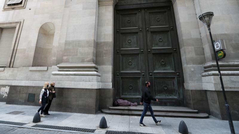 Skoro polovina stanovništva Argentine živi u siromaštvu