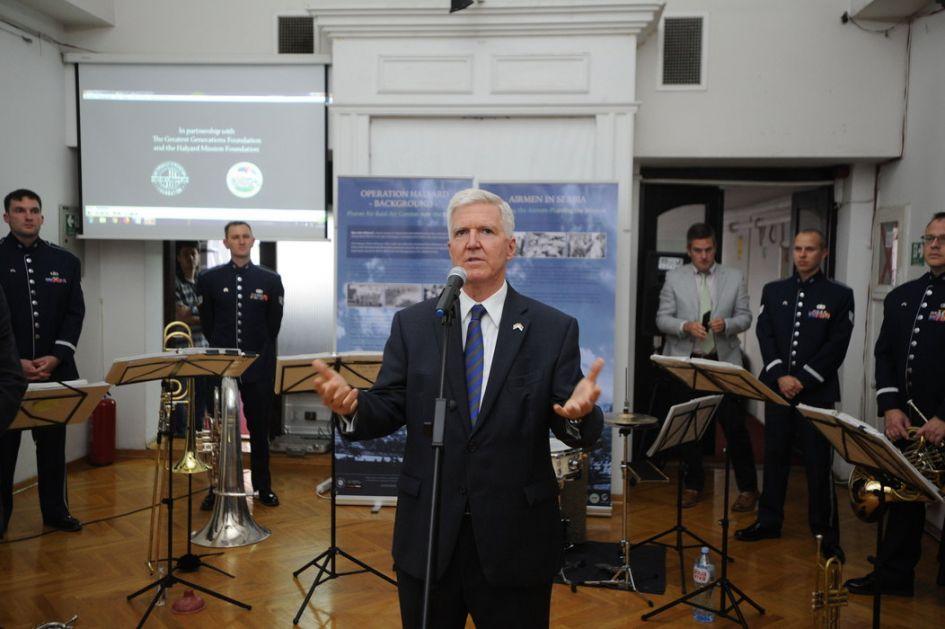 Skot: SAD žele da Kosovo ukine takse