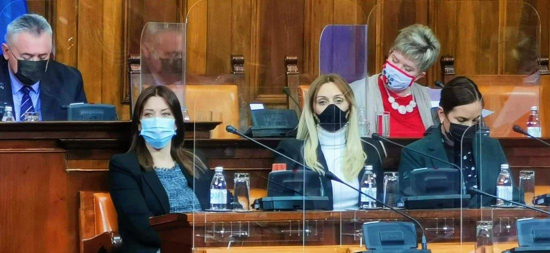 Skupština nastavila rad - poslanici postavljali pitanja; Usvojene izmene Zakona o zapošljavanju