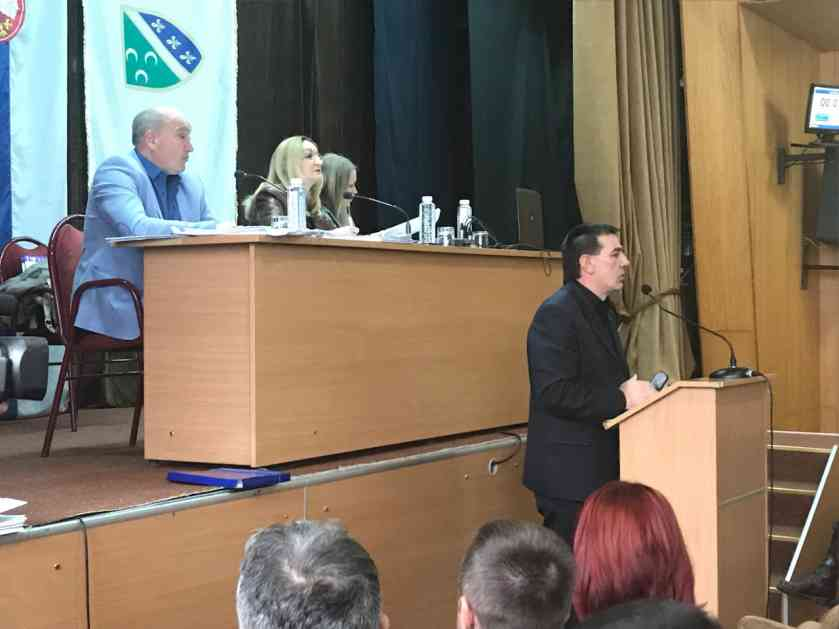 Skupština u Prijepolju protiče redovno – direktori iznose plan i program rada; Većina stabilna, opozicija podijeljena