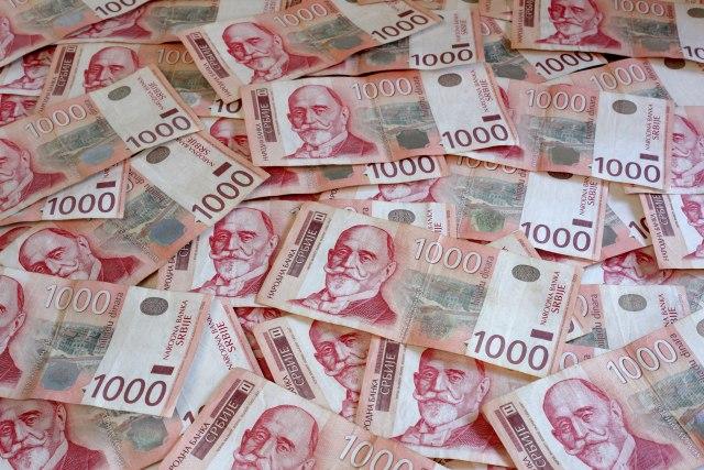 Slabljenje dinara uticalo bi na rast inflacije