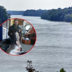 Slaviša IZVADIO ČUDOVIŠTE iz Dunava! Mrežu baca već ČETVRT VEKA, ali OVAKVU NEMAN nikad nije video (FOTO)